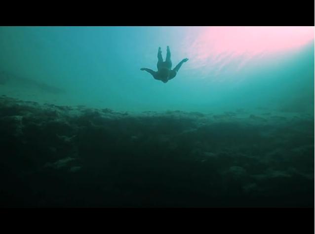 [视频] 极限运动:陷入深蓝