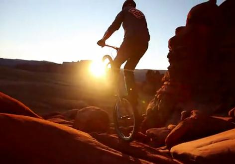 [视频] 在莫泊峡谷攀爬 – Jeremy VanSchoonhove