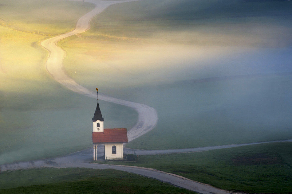 country rode take me home 作者 Anton Tratnik