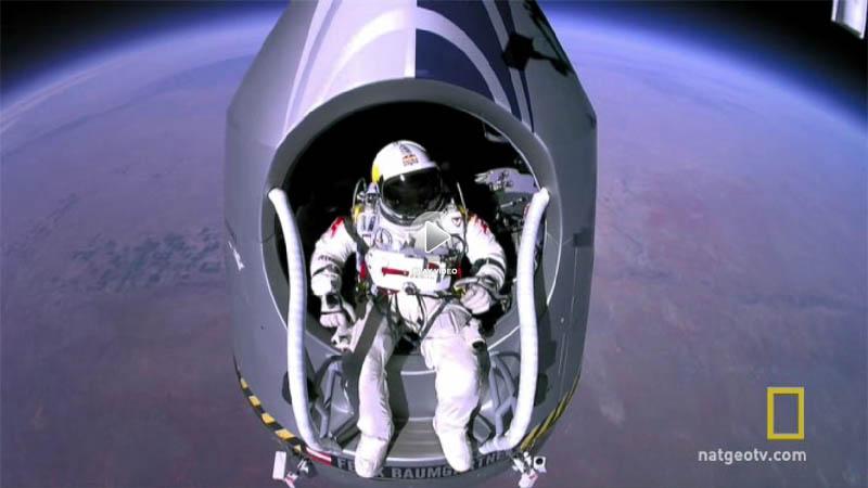 [视频] 太空跳伞