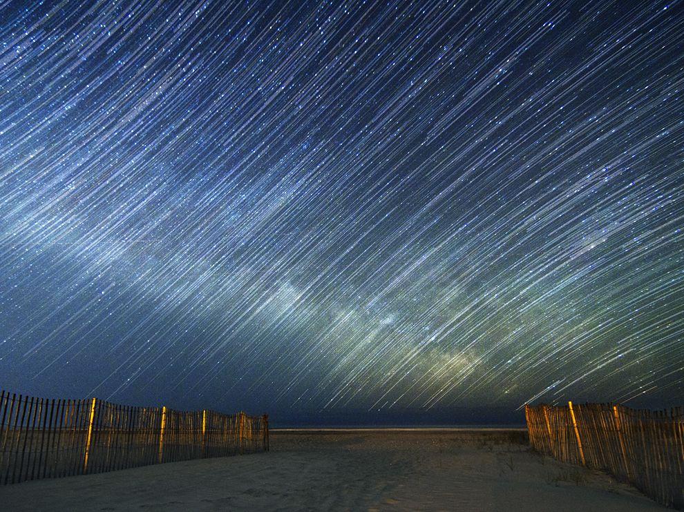 大西洋上空的星轨