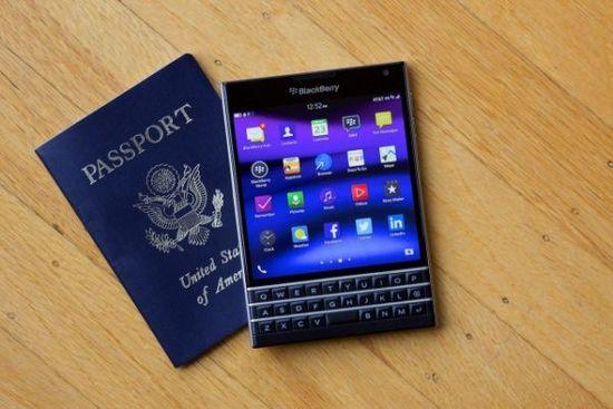 黑莓奇葩手机passport发布